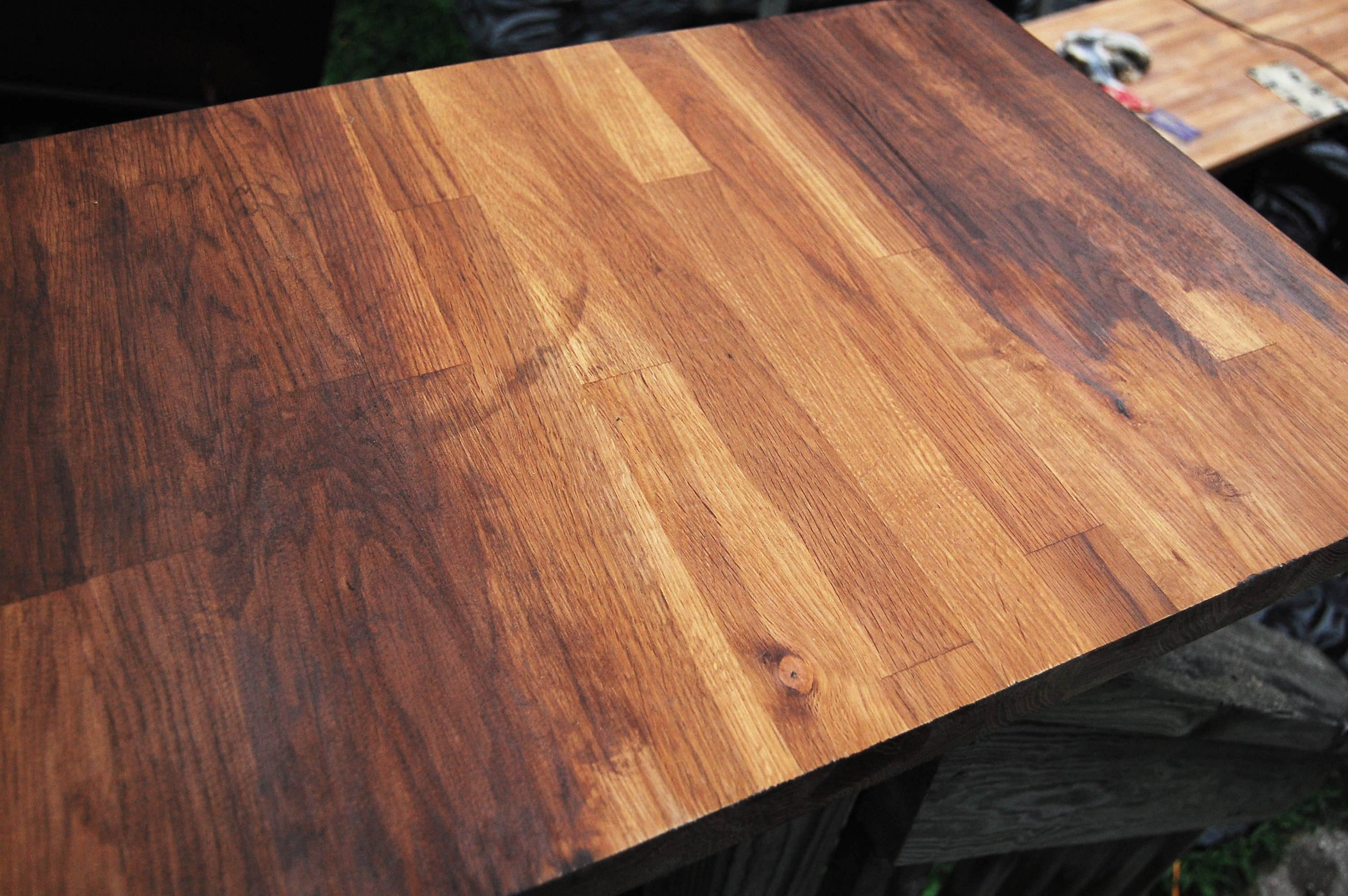 how to stain pine wood